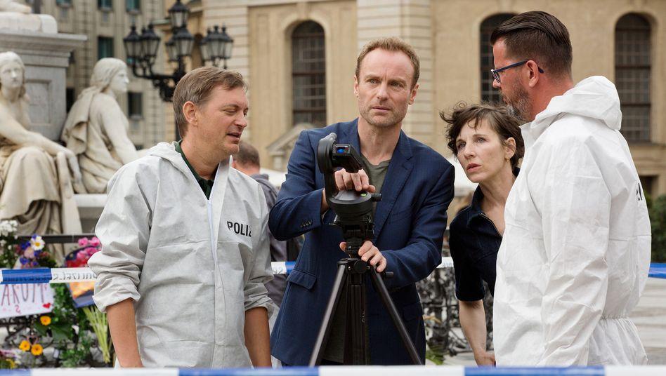 Die Kommissare Rubin (Meret Becker) und Karow (Mark Waschke) ermitteln in der historischen Mitte Berlins