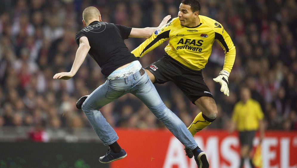Eklat in den Niederlanden: Spielabbruch nach Prügelei auf dem Platz