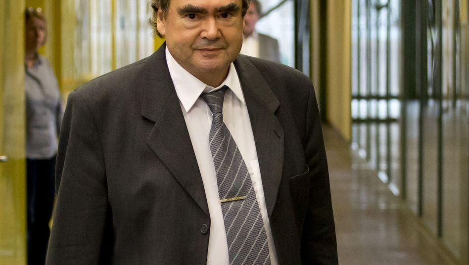 Siegfried Mundlos: Keinen engen Kontakt zum Sohn