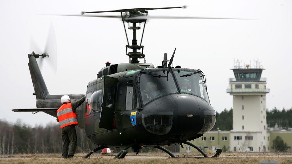 Hubschrauber vom Typ Bell UH-1D (Archivfoto)