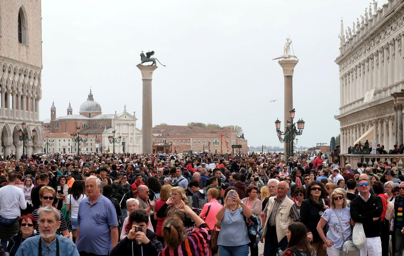 Gebühren für Touristen/ Venedig