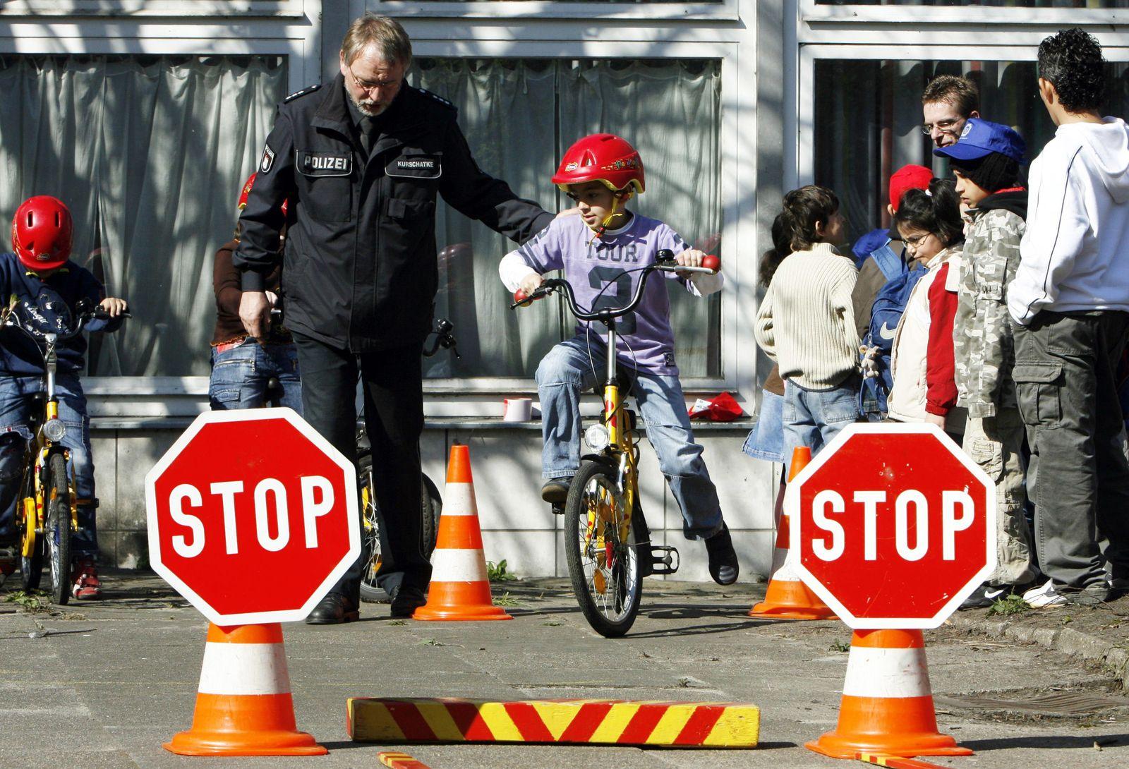 Sicherheitsaktion für Kinder im Straßenverkehr