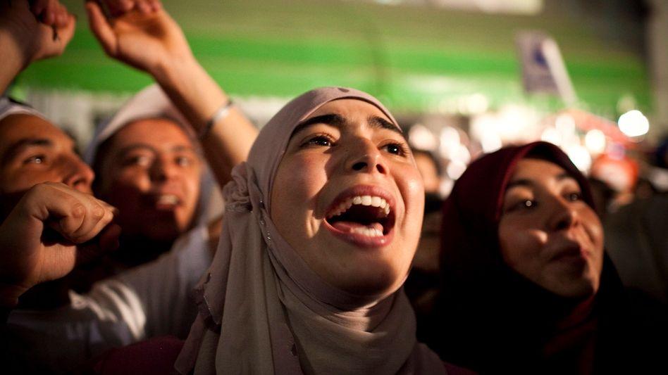 Jubelnde Anhänger der tunesischen Islamisten: Normalisierung der politischen Verhältnisse