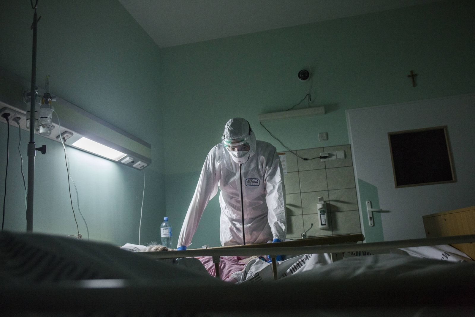 Jerzy Gromkowsk Provincial Specialist Hospital i was transformed whole into an isolation hospita due to the Sars-Cov-2 c