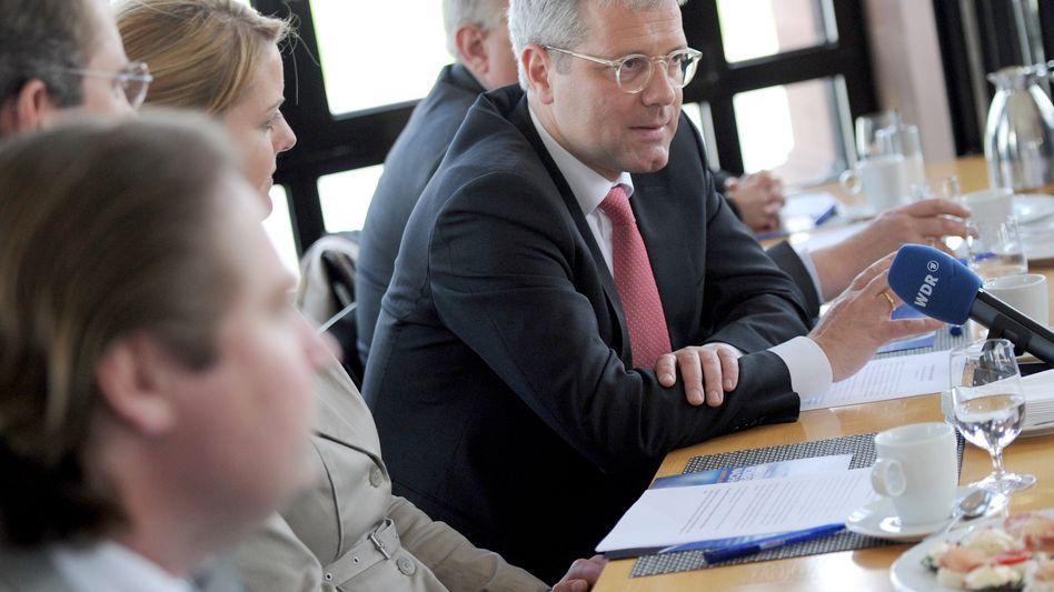 """Röttgen mit Schattenkabinett: """"neu zugespitzten Lage"""" nach Wahlen in Athen und Paris"""