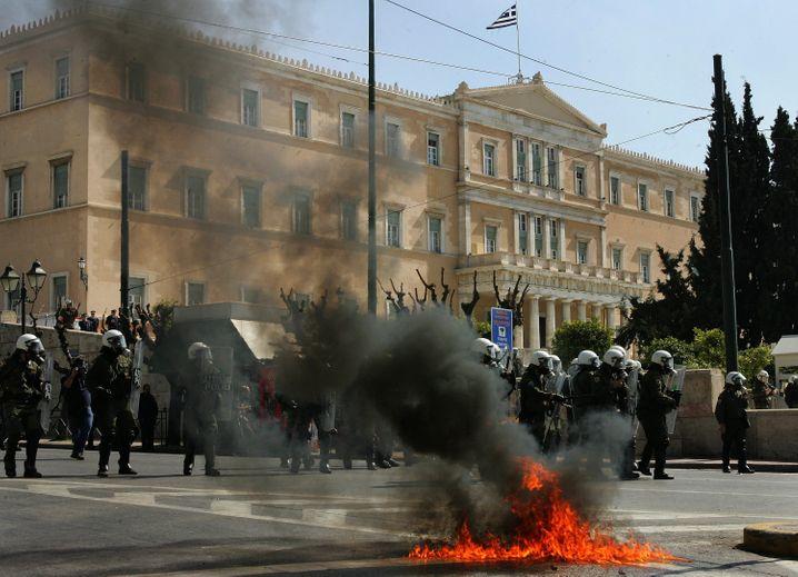 Proteste vor dem griechischen Parlament im Mai 2010