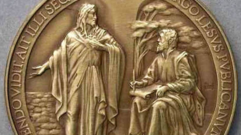 """The Vatican's recently debuted commemorative medals say """"Lesus,"""" instead of Jesus."""