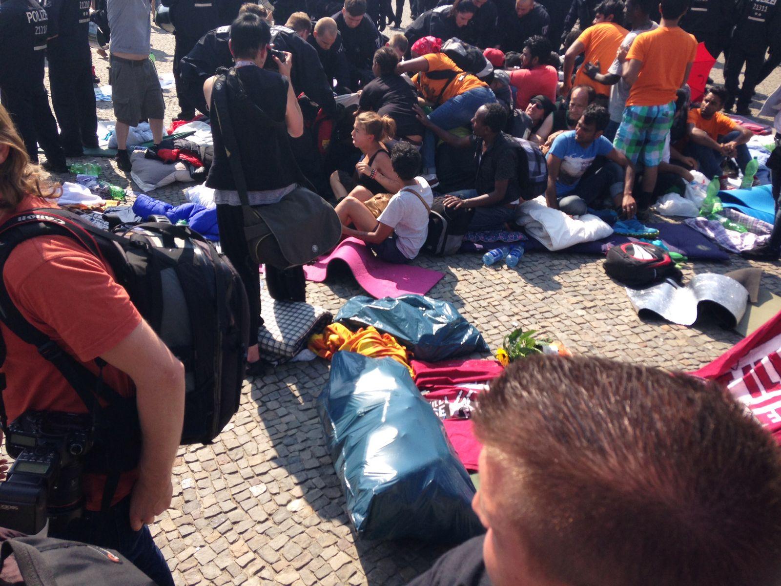 EINMALIGE VERWENDUNG Flüchtlinge/ Streik/ Räumung/ Berlin