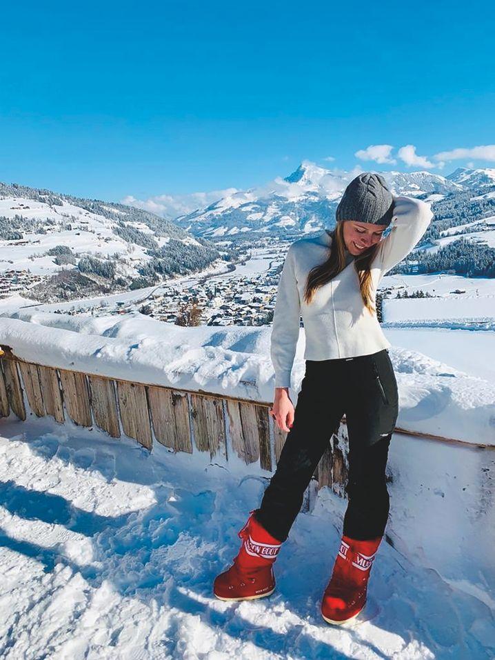 Schink im Schnee: In ihrem Buch fragt sie, ob wirklich jeder schöne Moment für die Online-Öffentlichkeit dokumentiert werden muss