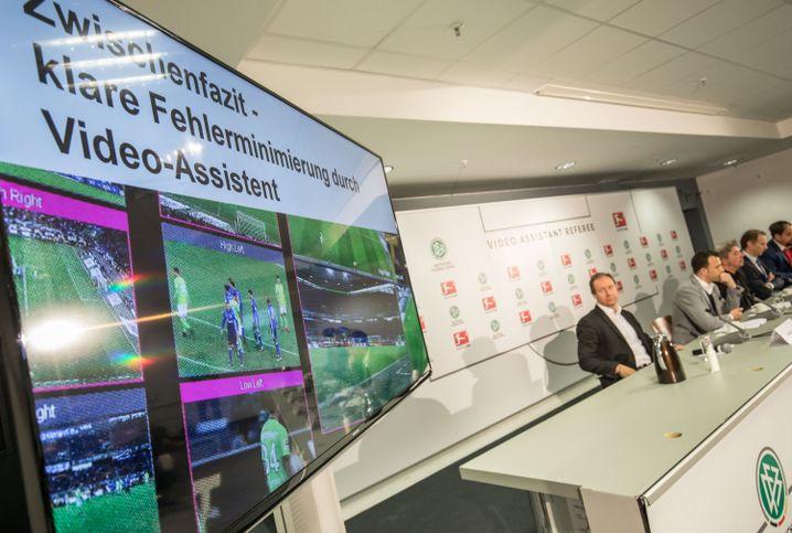 Kontrollmonitor für Videoschiedsrichter