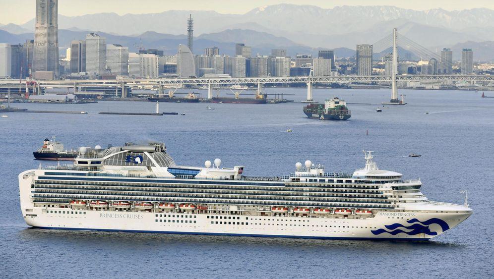 "Die ""Diamond Princess"" liegt in Yokohama fest"