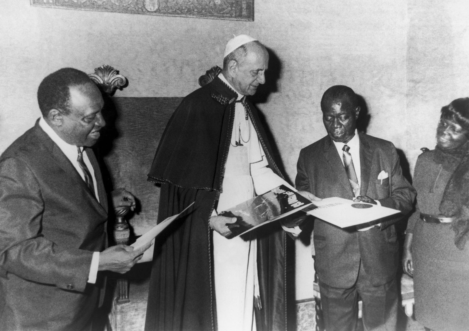 Louis Armstrong And Lionel Hampton Received By Pope Paul Vi In 1968