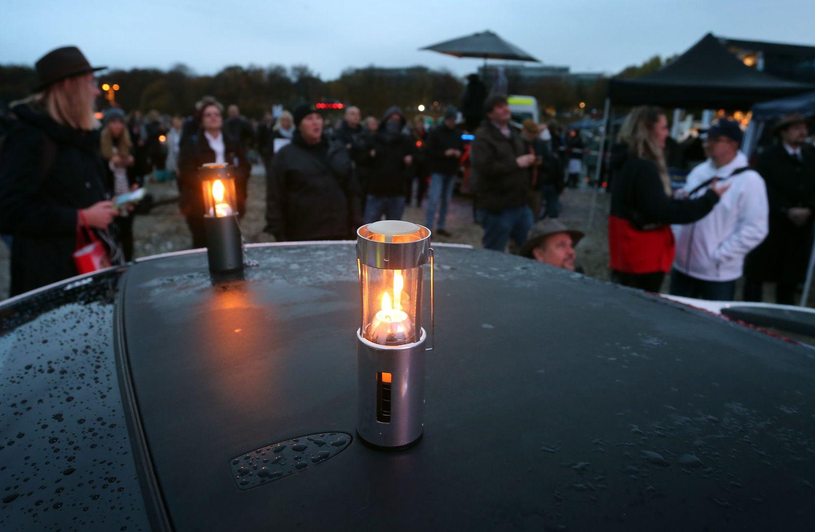 Coronavirus - München - Protest gegen Maßnahmen