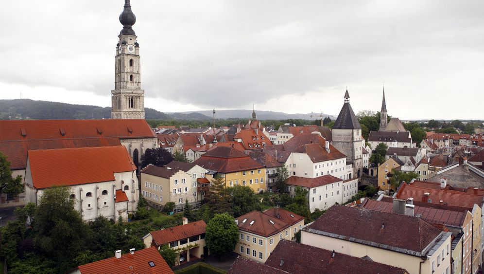 Braunaus Vergangenheit: Mit Hitler leben