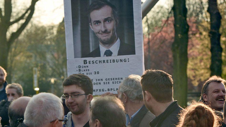 Plakat auf Kundgebung für Jan Böhmermann