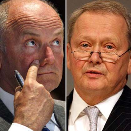 Ferdinand Piech (left) and Wolfgang Porsche don't see eye to eye on how VW and Porsche should cooperate.