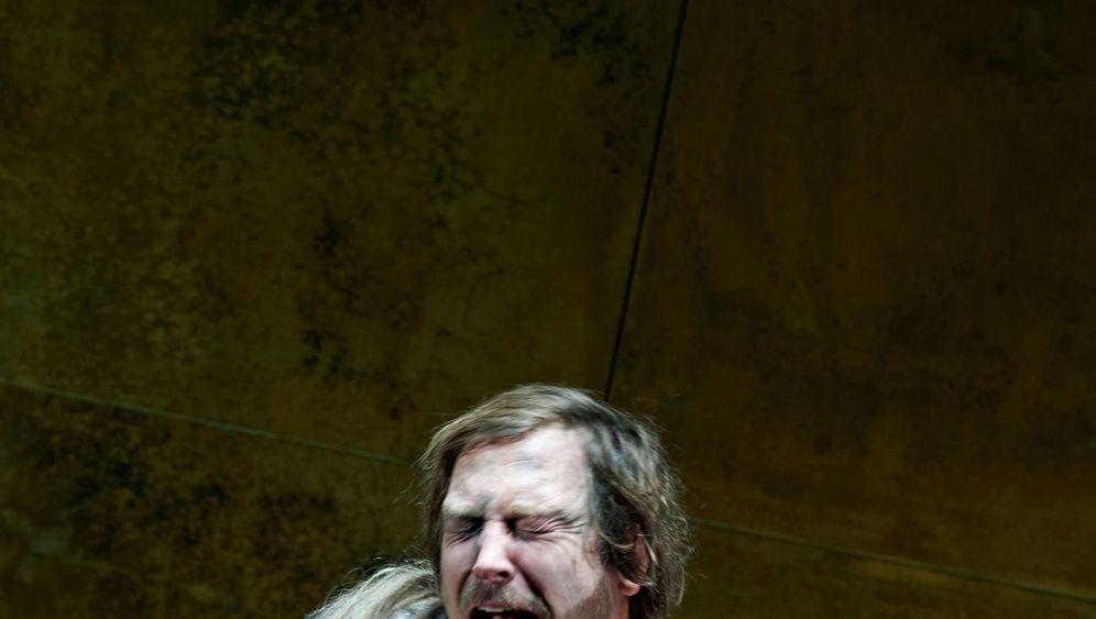 """Tartuffe"" an der Berliner Schaubühne: Lass dich drücken, Spießer!"