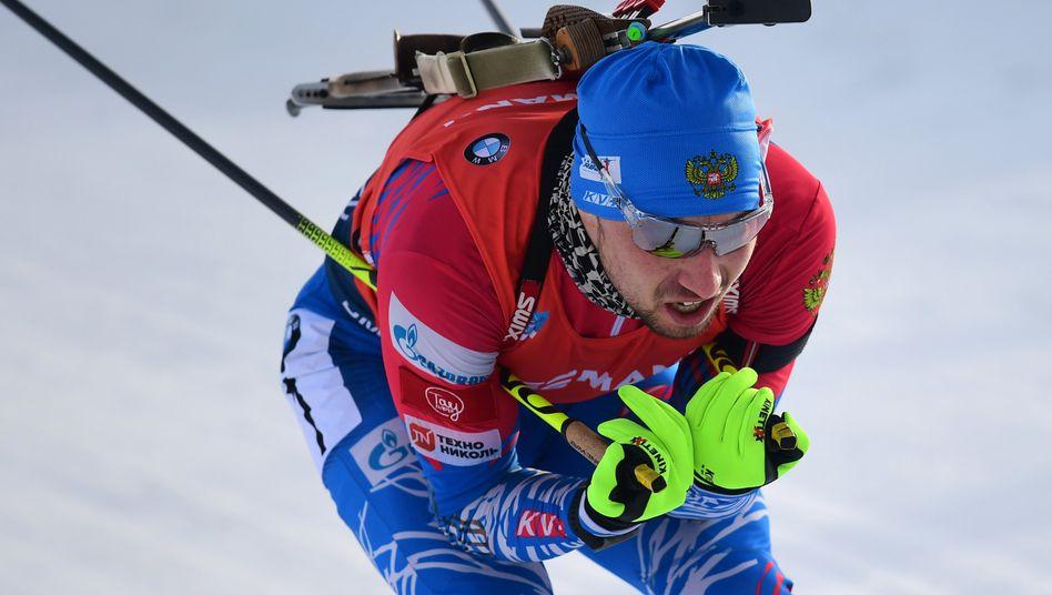 Alexander Loginow gewann bei der WM in Antholz Gold im Sprint, das Bild zeigt ihn bei der Verfolgung auf 12,5 Kilometer