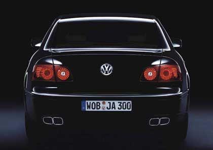 Rückansicht: Der VW Phaeton ist der derzeit massigste Serien-PKW aus deutscher Produktion