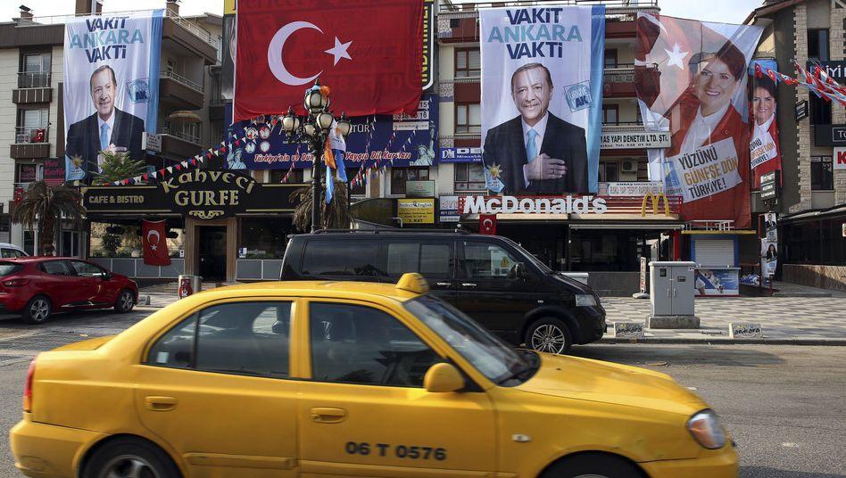 Wahlbanner in Ankara