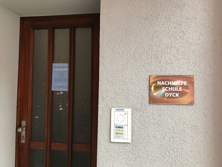 Eingang zur Nachhilfeschule