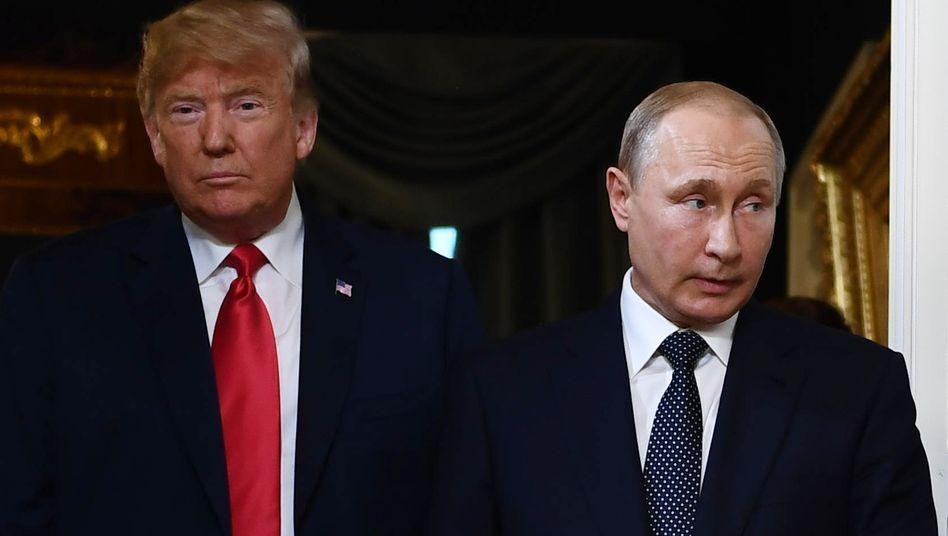 US-Präsident Donald Trump und Russlands Präsident Wladimir Putin bei einem Treffen 2018