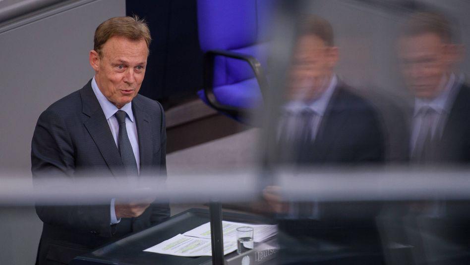 """Thomas Oppermann: Der 66-Jährige war am Sonntagabend kurz vor einer Liveschalte in die ZDF-Sendung """"Berlin direkt"""" zusammengebrochen"""