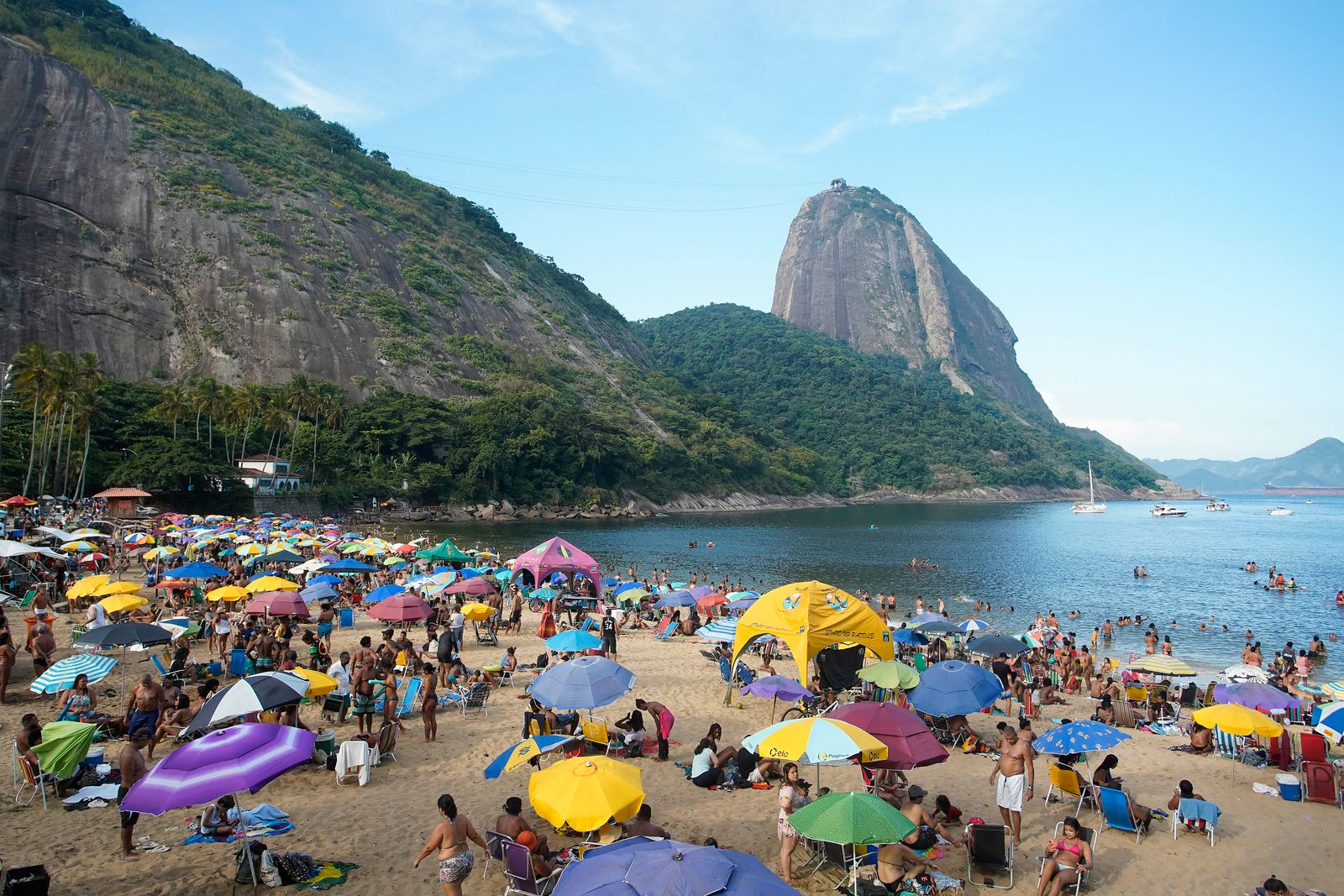 People Agglomerate on Fat Tuesday in Rio de Janeiro Despite the Prohibition due to the Coronavirus (COVID-19) Pandemic