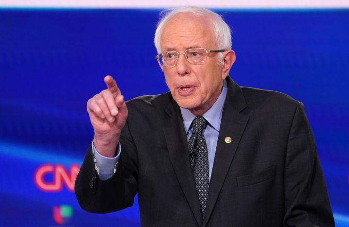 Bernie Sanders: Er muss seine treuen Anhänger nun bald auf Biden einschwören