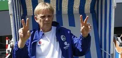 Trainer Finke (Mai 2007): Finanzielle Verlockung aus Japan