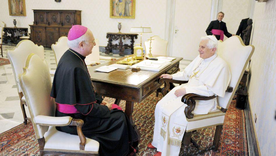 """Robert Zollitsch bei Papst Benedikt XVI.: """"Große Betroffenheit, tiefe Erschütterung"""""""