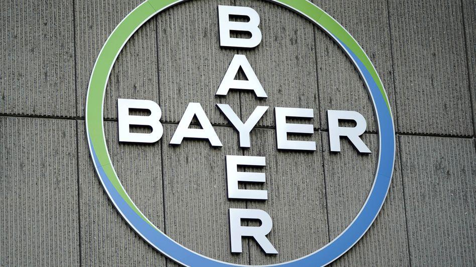 Logo des Bayer-Konzerns: Der Ärger über Glyphosat reißt nicht ab