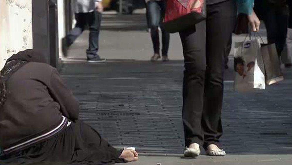 """TV-Doku """"Gemachte Armut"""": Geld regiert die Welt - nicht gut"""