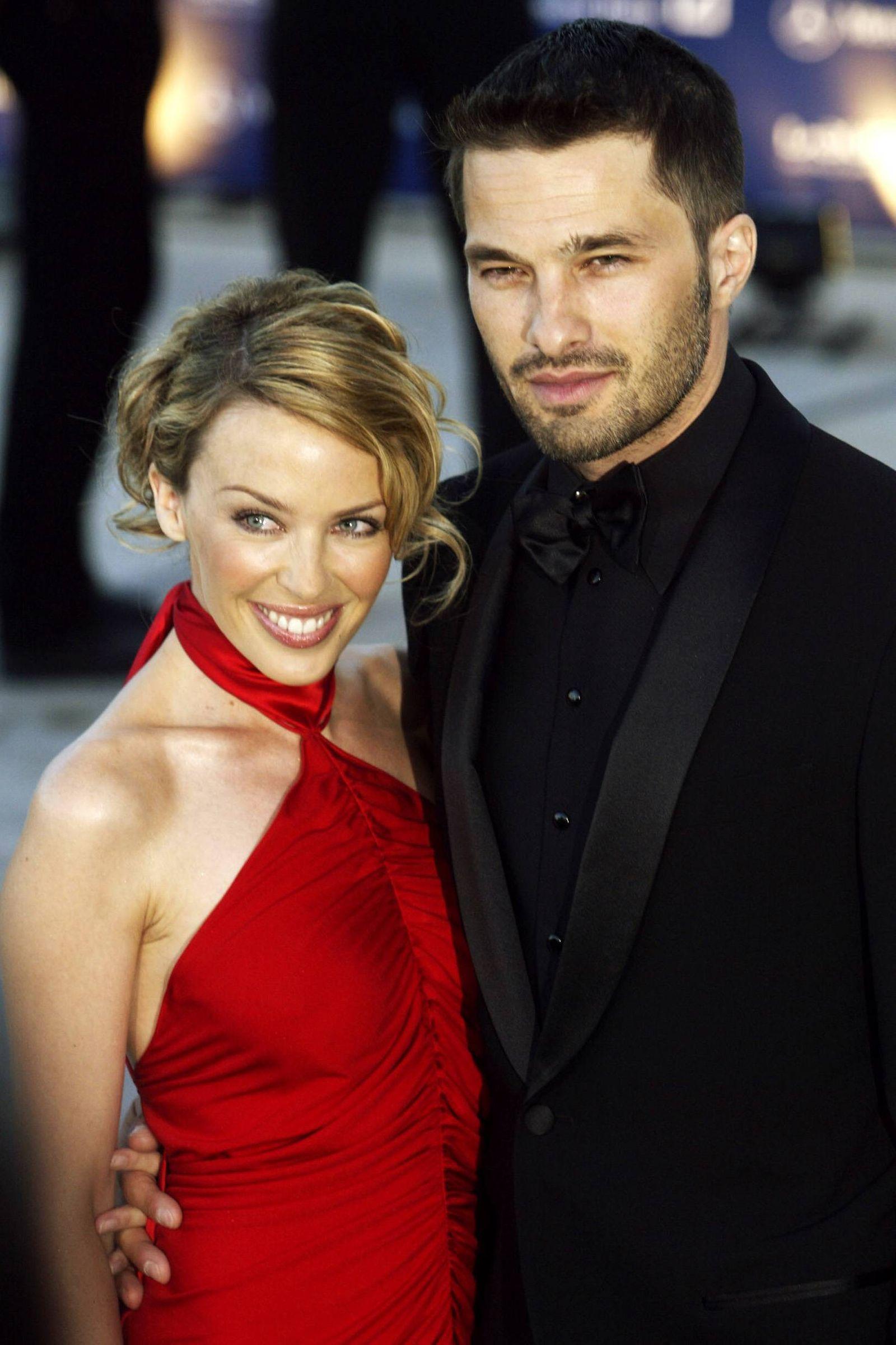 Sängerin Kylie Minogue li AUS mit ihrem Freund Schauspieler Oliver Martinez FRA anlässlich der