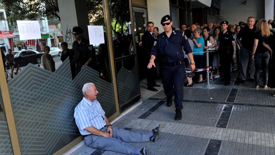Rentner in Griechenland (Archivbild): Regierung will Kürzungen vermeiden