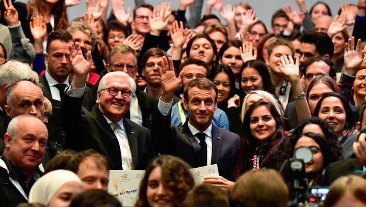 Volkstrauertag in Berlin: Macron fordert mehr Eigenständigkeit für Europa