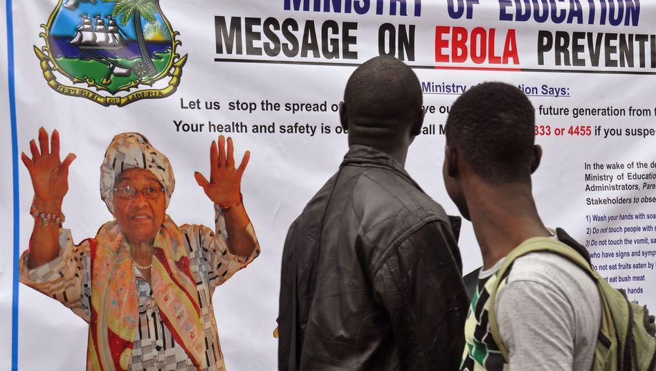 Plakat in Monrovia: Liberia zählt zu den drei Ländern mit den meisten Ebola-Fällen