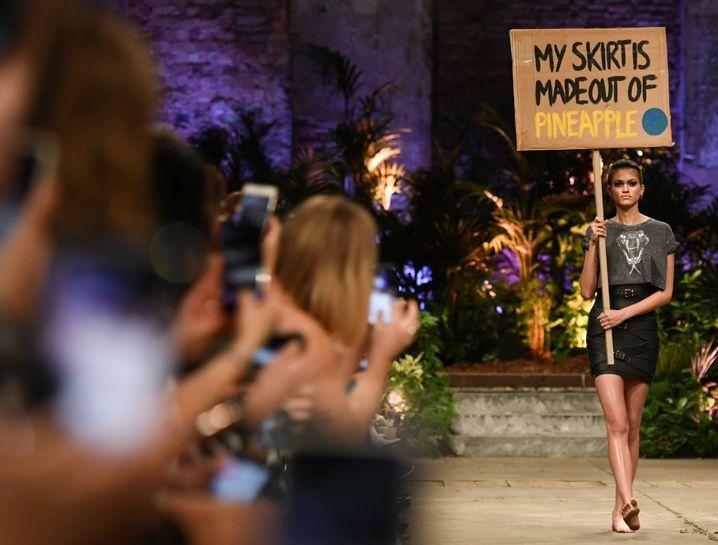 Nachhaltigkeit als Trend: Look aus der Kollektion von Marina Hoermanseder