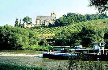 In Mainfranken bestimmen Weinberge die Landschaft: Rund 20 Prozent der Anbaufläche sind Steil- und Terrassenlagen