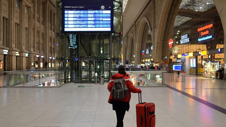 Bahnstreik beendet: Nacht des Stillstands, Tag der Verspätungen