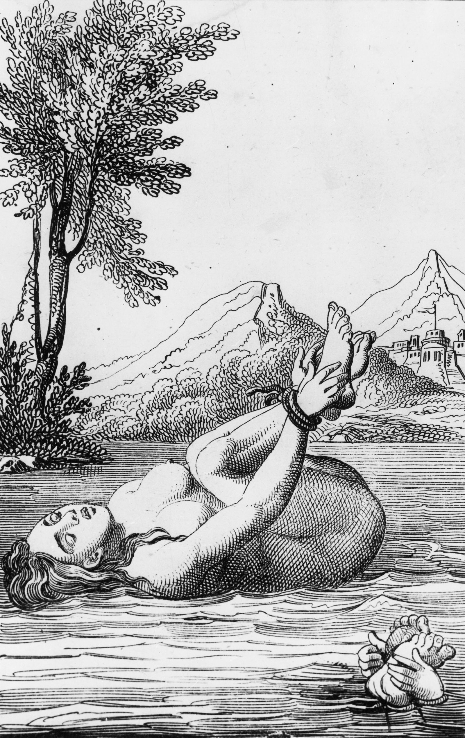 Hexenprobe im Mittelalter