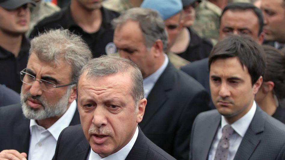 Premier Erdogan nach dem Bergunglück: Polizei in Köln erwartet Tausende Gegendemonstranten