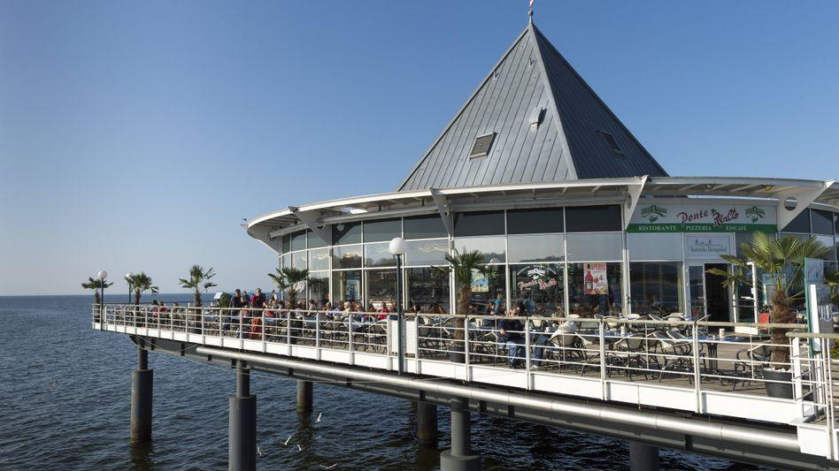 Auch das Restaurant auf der Seebrücke Heringsdorf auf Usedom darf wieder öffnen