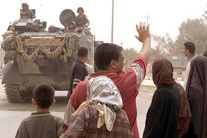 Bagdad: Iraker bejubeln die Ankunft von US-Marines