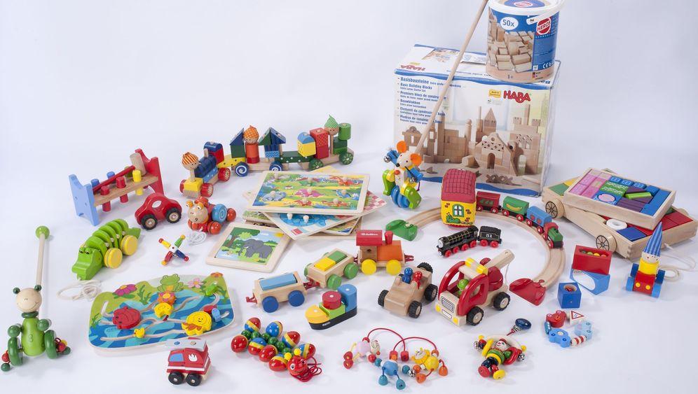 Gefahr für Kleinkinder: Schadstoffe im Holzspielzeug
