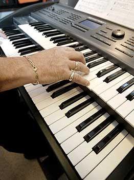 Musik macht schlau: Das Üben an Tasteninstrumenten lässt das Hirn wachsen