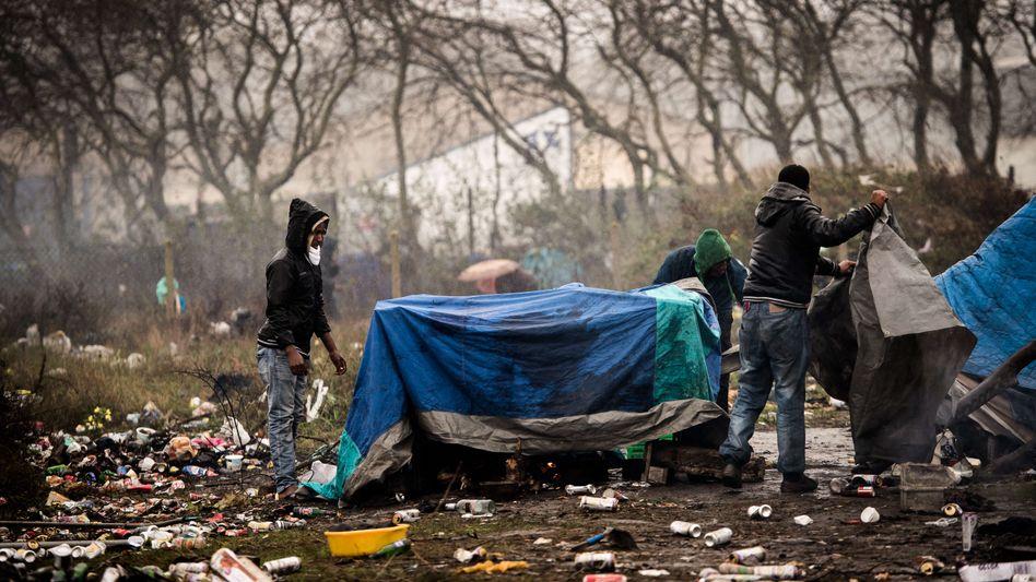 Flüchtlinge in Calais: Frankreich fordert Hilfe von Großbritannien