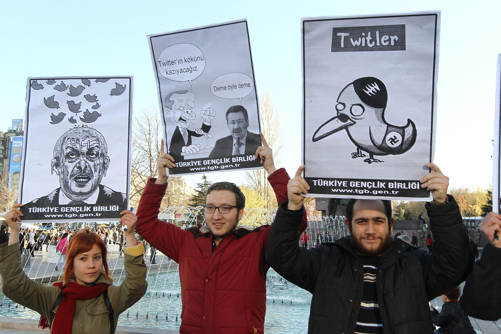 TURKEY-POLITICS-CORRUPTION-INTERNET-TWITTER