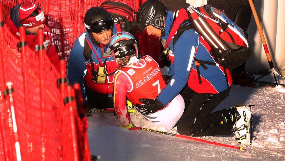 Viktoria Rebensburgs Saison ist nach ihrem Sturz zu Ende.