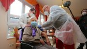 101-Jährige hat erste Impfung in Deutschland erhalten